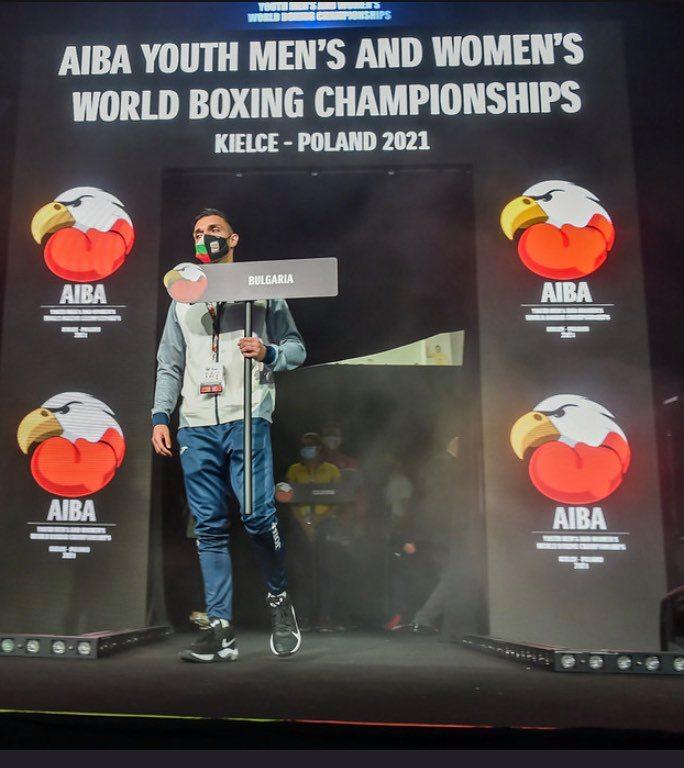 Чолов и Росенов се хвърлят за медали на Световното