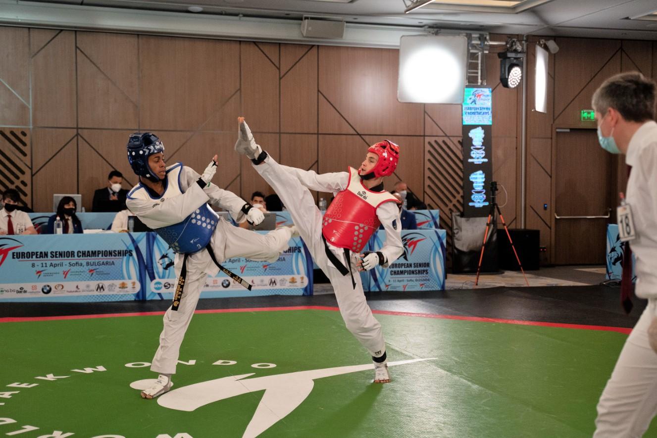 Три български победи на старта на Европейското в София