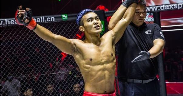 Юлян Ша ще дебютира в UFC