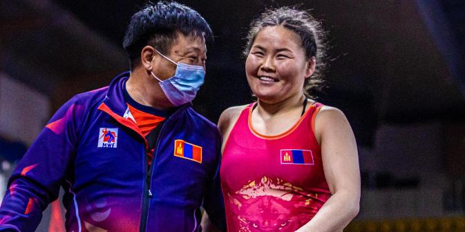 Монголия ликува отборно при жените на Азиатския шампионат по борба
