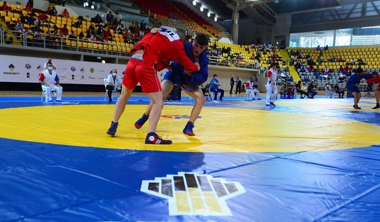 Ударно начало на самбистите ни на Европейското първенство в Лимасол