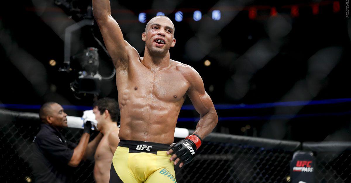 Барбоса влезе в топ 10 в ранглистата на UFC (КЛАСАЦИЯ)