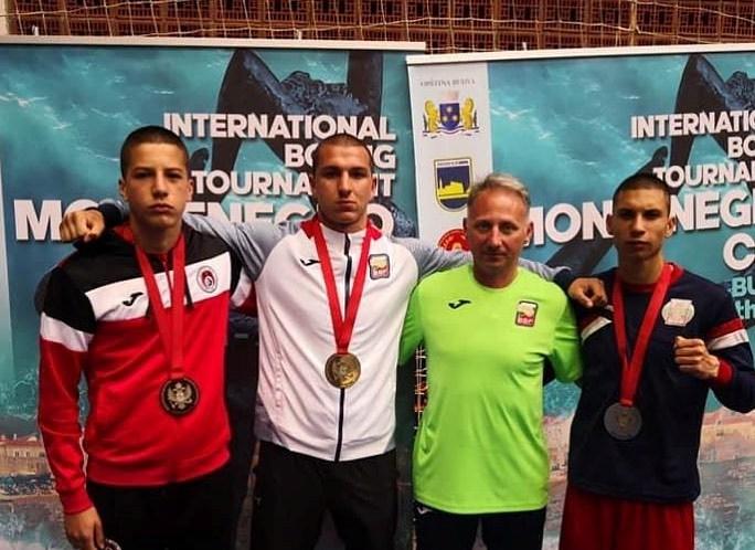 Боксьорите ни се завръщат със седем медала от Черна гора