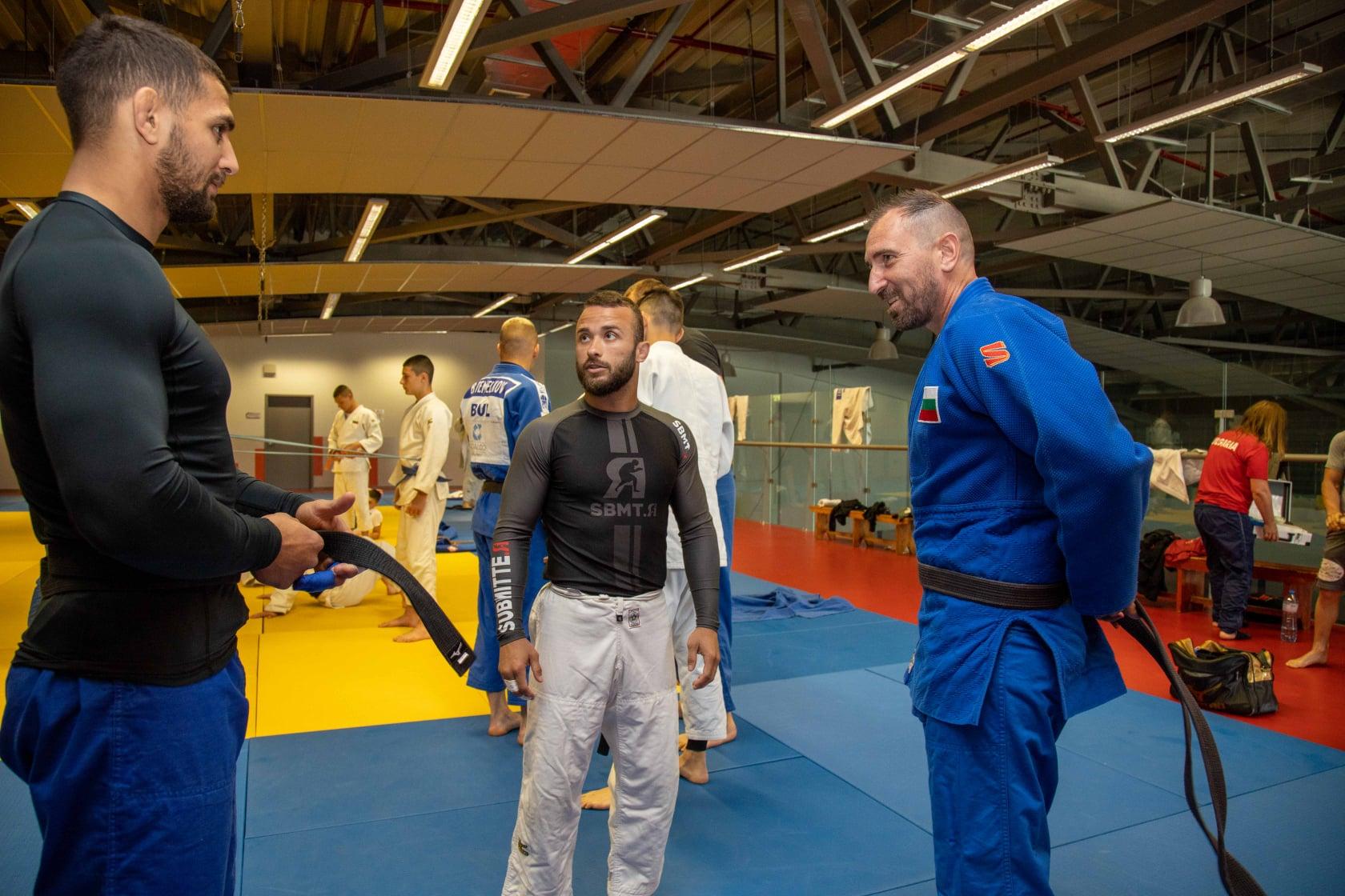Шеф Андре Токев тренира с националния отбор по джудо