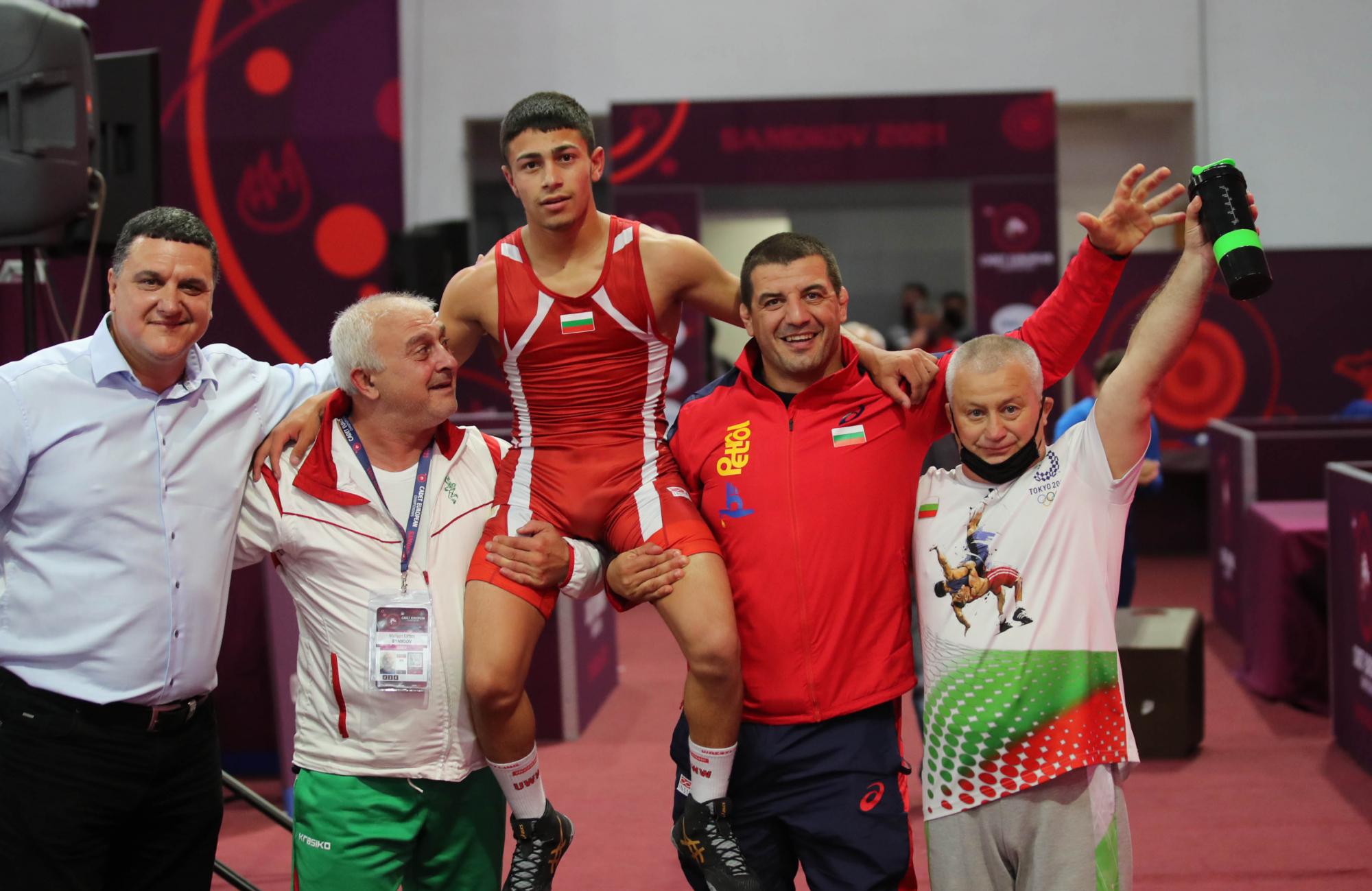 България влезе в топ 10 по медали на Европейското по борба за кадети