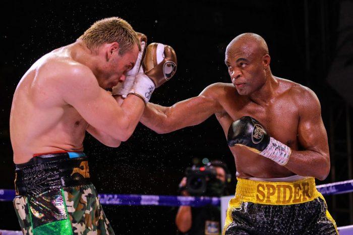 Андерсон Силва се завърна под ярките светлини с победа на боксовия ринг