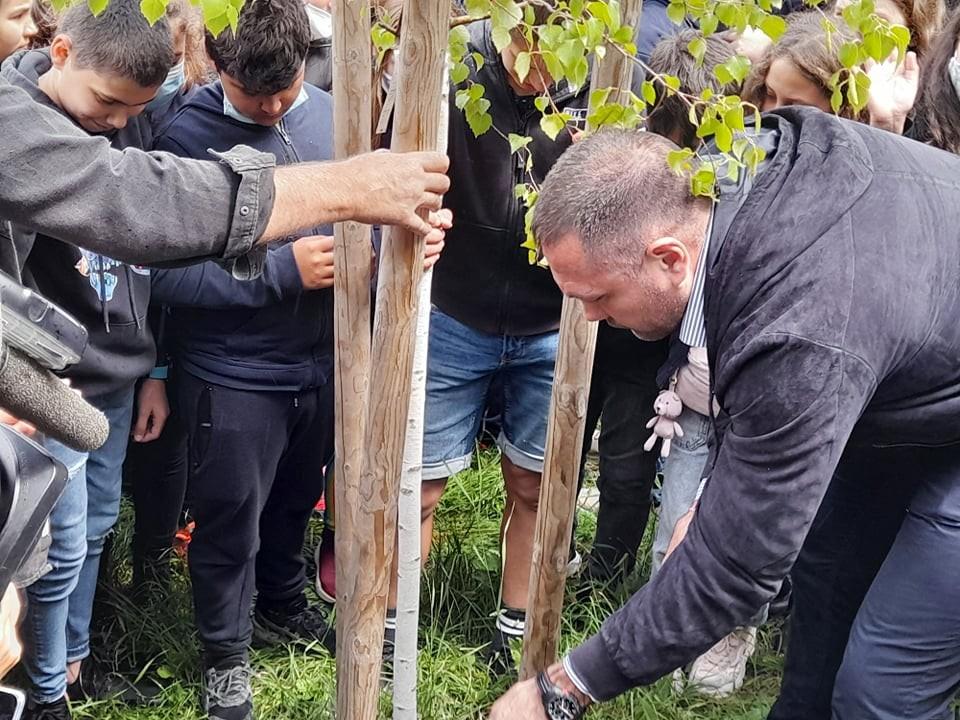 Кубрат Пулев с пример към децата навръх 1-ви юни (ВИДЕО)