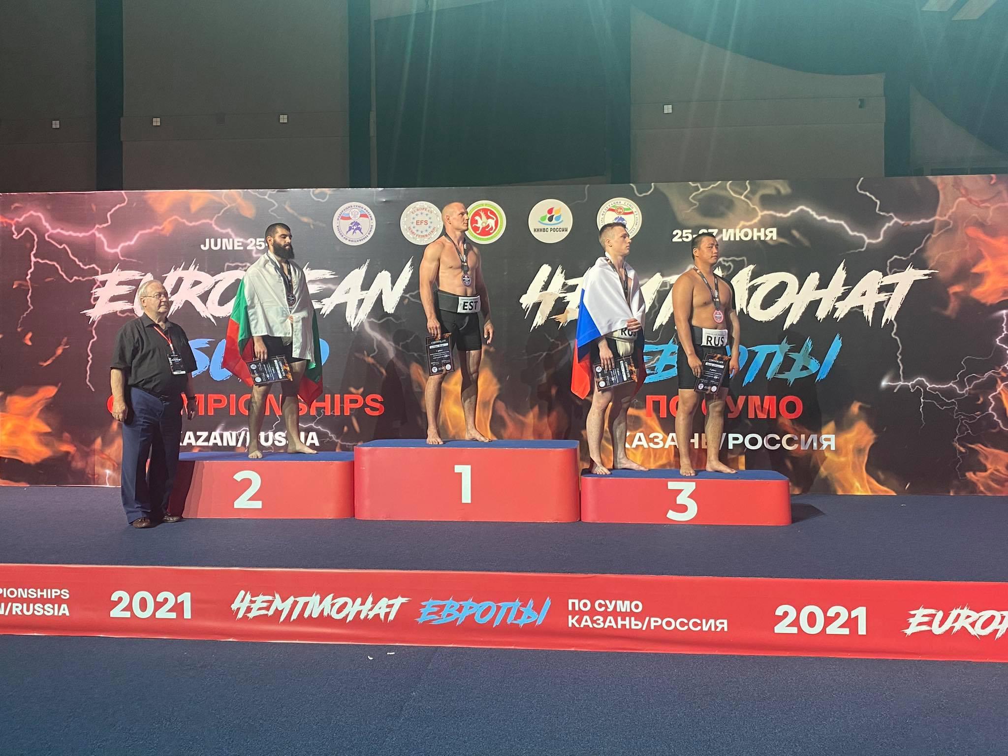 Стилиан Иванов дебютира с финал и медал на Европейското по сумо