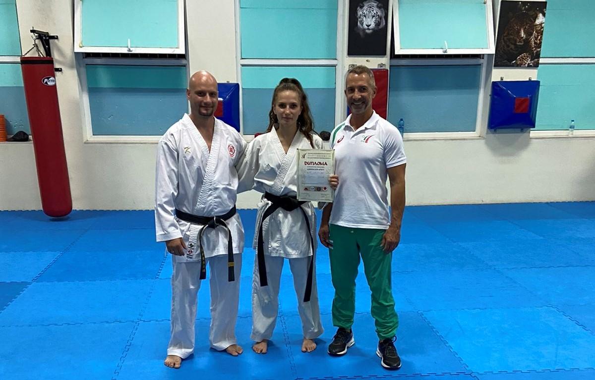 Европейската шампионка по карате Вероника Георгиева взе черен колан