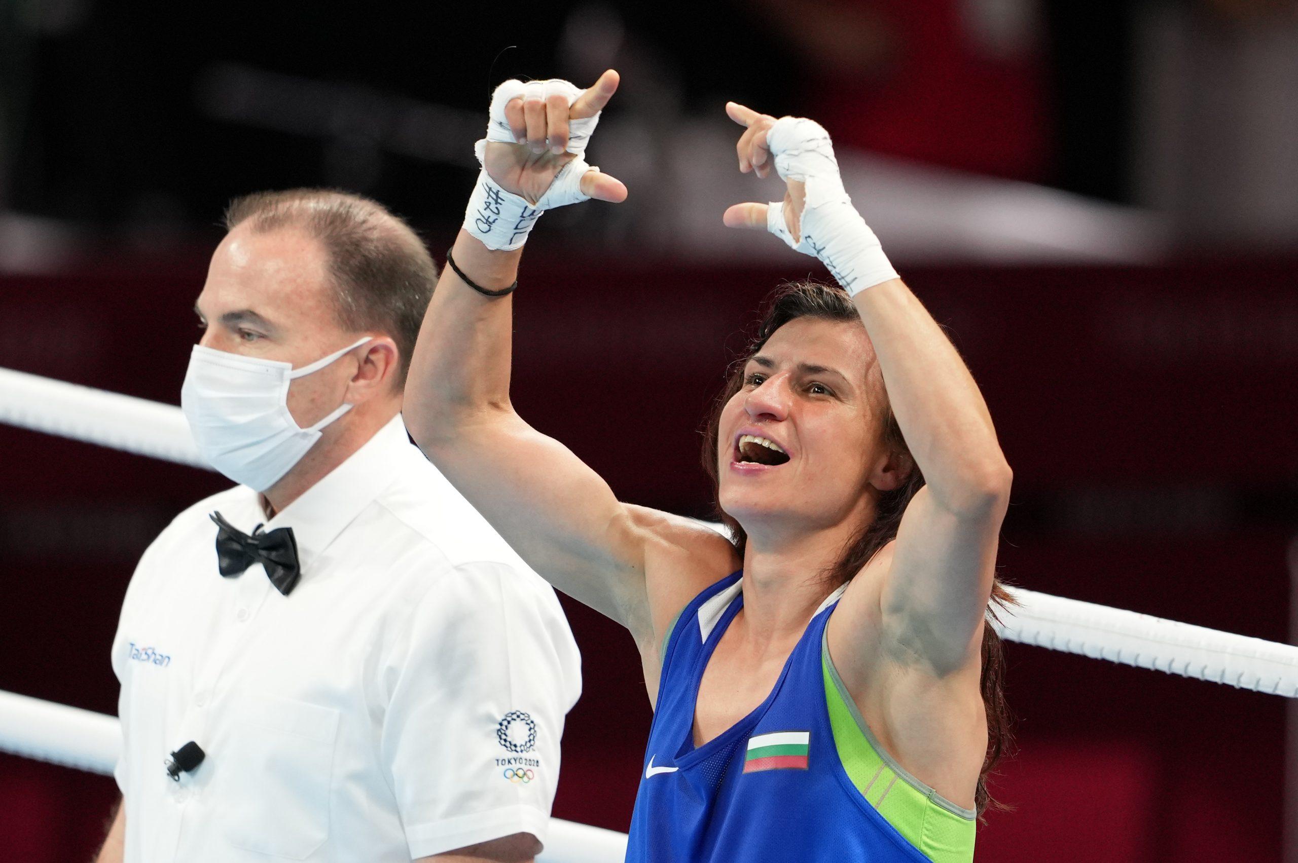 Боксови легенди се поклониха на Стойка Кръстева