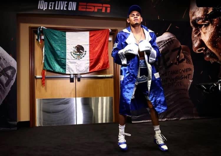 Емануел Наварете с втора защита на пояса на WBO през октомври