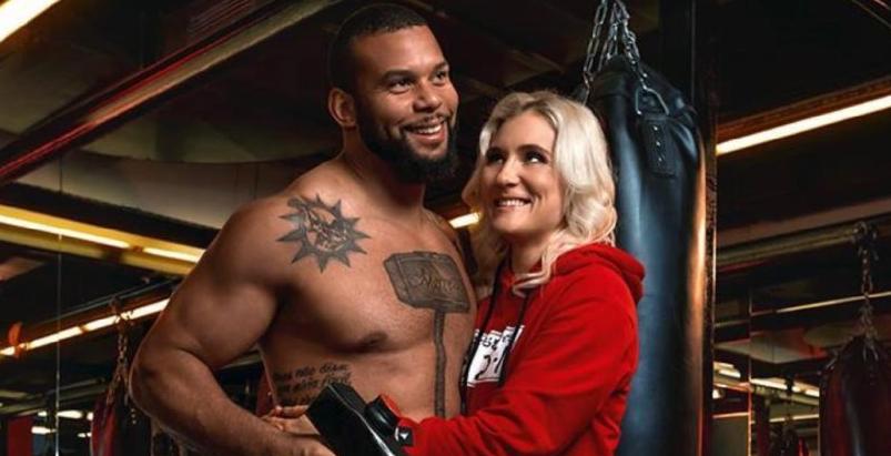 Бойци от UFC очакват бебе