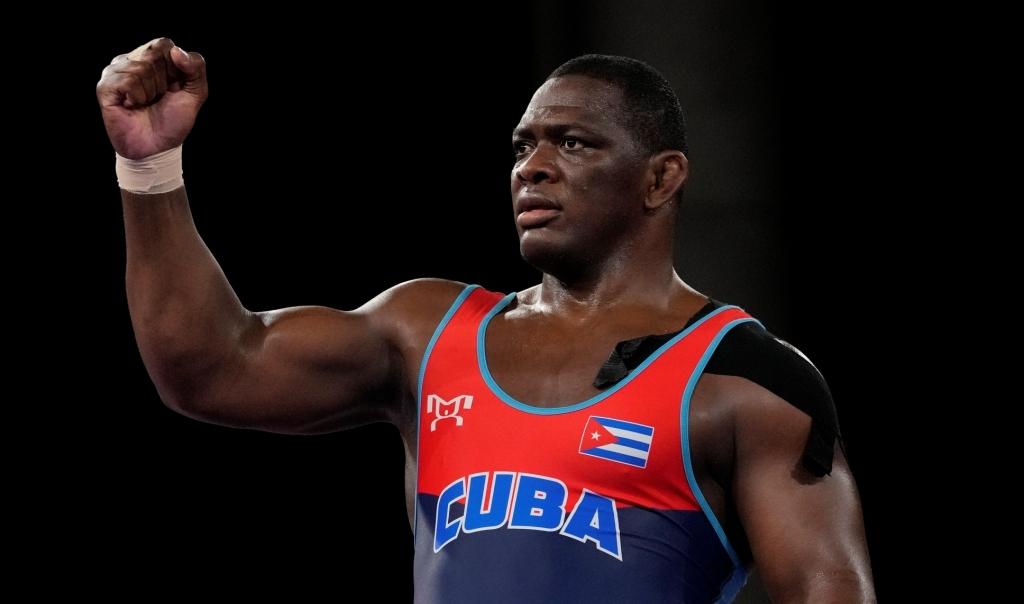 Михаин Лопес пренаписа историята на олимпийската борба