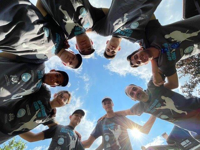 Каратеки популяризират спорта сред младежите (СНИМКИ)
