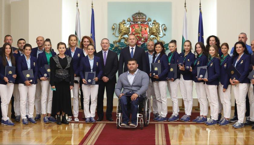 Президентът Радев награди олимпийските ни медалисти (видео)