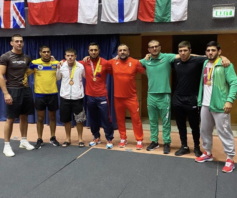 10 медала за националите ни по борба от турнира в Румъния (снимки)