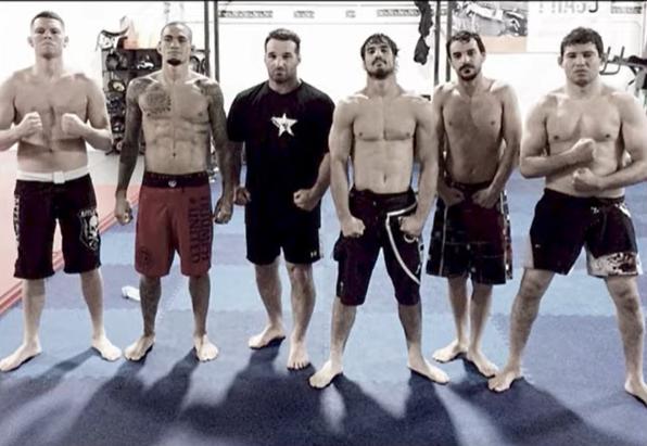 """200 долара е бил хонорарът на първия българин в UFC Валери """"Вал"""" Игнатов"""