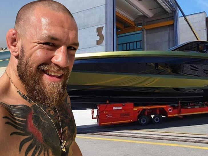 Конър продава яхтата си, за да отвори бар